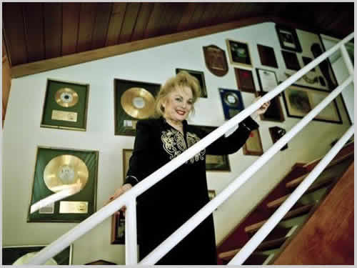 carol connors in homes of the rich and gated